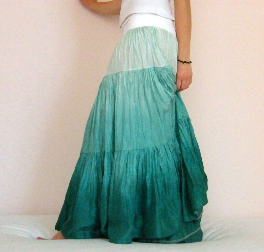 e4dee47105e7 Odraz mořské hladiny - dlouhá originální hedvábná sukně